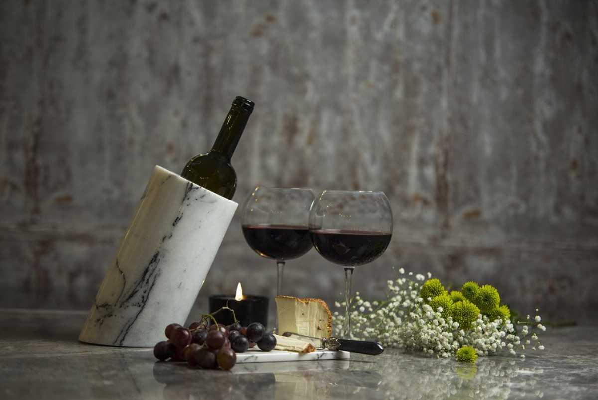Açılı Kesim Mermer Şaraplık